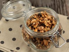 Granola cu seminte si miere Granola, Cereal, Sweets, Breakfast, Food, Morning Coffee, Gummi Candy, Candy, Essen