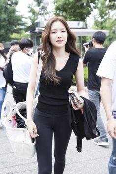 #apink, #naeun Gorgeous Women, Amazing Women, Beautiful, Apink Naeun, Pop Fashion, Womens Fashion, Fashion Updates, Korean Actresses, Girl Costumes