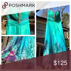Tony bowls prom dress Teal sweetheart designer prom dress. Bought for junior prom has been worn twice. Was dry cleaned after the last wear. Some beading is lose however I believe still there. It has been hemmed from originally height. Originally paid 500. Tony Bowls Dresses Prom