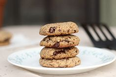 The Best Paleo Chocolate Chip Cookies Ever (Vegan) - Oatmeal with a Fork Paleo Chocolate Chip Cookies, Almond Meal Cookies, Paleo Cookies, Paleo Dessert, Healthy Desserts, Dessert Recipes, Choco Chips, Paleo Baking, Almond Recipes