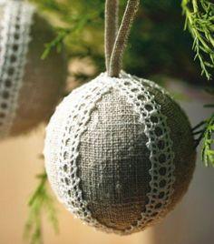 Näin askartelet nostalgisia pellavapalloja kuuseen ja lahjaksi | Kodin Kuvalehti