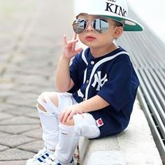 new ideas baby boy toys toddlers Toddler Boy Fashion, Little Boy Fashion, Young Fashion, Little Boy Outfits, Baby Boy Outfits, Kids Outfits, Baby Boy Dress, Baby Boy Swag, Baby Boy Toys