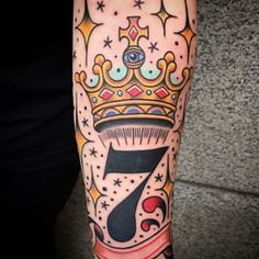 Crown & 7. #crown #crowntattoo #7 #oldschool #oldschooltattoo #traditional #colortattoo