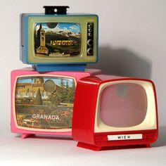 Immer, wenn Oma aus Italien zurück kam, gab's diverse Souvenirs. U.a. auch die Mini Television Tele-Souvenirs, wo man sich mit jedem Weiterklicken die Bilder ansehen konnte.