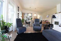 119,5 m² Kirstinkatu 3, 15150 Lahti Omakotitalo 4h myynnissä - Oikotie 15836003 Conference Room, Table, Furniture, Home Decor, Decoration Home, Room Decor, Tables, Home Furnishings, Home Interior Design
