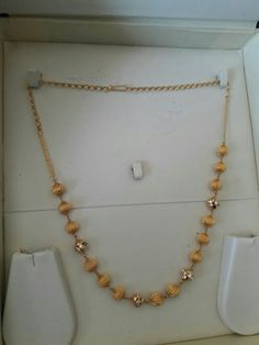 How Sell Gold Jewelry Kids Gold Jewellery, Gold Jewelry Simple, India Jewelry, Simple Necklace, Gold Necklace, Stone Necklace, Gold Earrings Designs, Necklace Designs, Jewelry Model