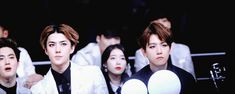 (Gif) Exo Sehun & Baekhyun OMG they are so in sync!