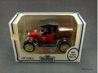 Ertl True Value 1918 Ford Runabout Barrel Bank Diecast Oil Warmer, Crochet Dolls, Hard Rock, Diecast, Knives, Barrel, Ford, Diy, Vintage