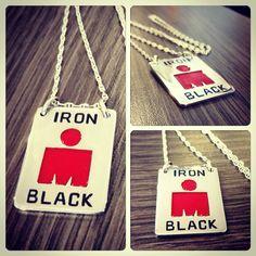 Colgante de Plata, grabado y esmaltado, diseño #triatlon #ironman, #hechura #hechoamano / Silver #necklace, hand-engraved and enameled, #ironman #trithlon design, #hechura #handmade