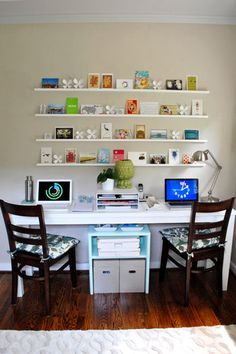 Home office decor is a very important thing that you have to make percfectly in your house. You need to make your home office decor ideas become a very awe Guest Room Office, Home Office Space, Home Office Design, Home Office Furniture, Home Office Decor, Home Decor, Office Ideas, Desk Space, Bedroom Furniture