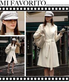 """Anne Hathaway in the Devil Wears Prada """"El diablo viste de Prada""""/2006) diseño de vestuario   Patricia Field."""