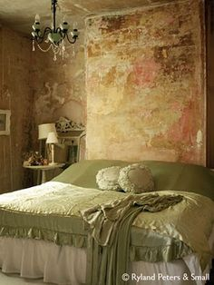 this bedroom color scheme would never fit in my home BUT i simply LOVE what the owner has done here!