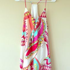 ☀️Price drop☀️ Cute, summery dress☀️ Brand new and in excellent condition! Beautiful colors that are fun for any occasion! Offers welcome! Apricot Lane Dresses