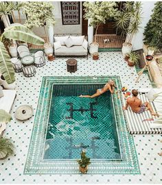 Moroccan mornings by the pool ...