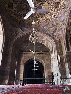Masjid Wazir Khan, Lahore. View more photographs: http://islamic-arts.org/2014/masjid-wazir-khan-revisited/  Photo credits: http://intricateworks.com