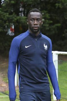 Bacary Sagna France - Fotos   imago images Training, Football, Athletic, France, Jackets, Fashion, Bacary Sagna, Soccer, Down Jackets