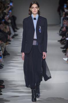 Fashion show Victoria Beckham ready-to-wear woman autumn-winter 2017-2018 1