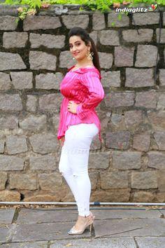 Manjusha Actress Photos Stills Gallery Bollywood Actress Hot Photos, Actress Pics, Tamil Actress Photos, Bhojpuri Actress, South Actress, Beautiful Girl Photo, Beautiful Girl Indian, Most Beautiful Indian Actress, Beautiful Saree