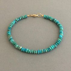 Turquoise Pierre perles Bracelet en or également disponible en | Etsy Bracelet Turquoise, Turquoise Jewelry, Turquoise Stone, Seashell Necklace, Shell Necklaces, Beaded Jewelry, Fine Jewelry, Beaded Bracelet, Ruby Jewelry