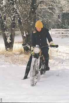 vintage motorcycle repair | Tumblr Old Bikes, Dirt Bikes, Dt Yamaha, Honda, Hipster, Racing, Circuit, Model, Motorcycles