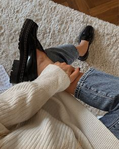 Black Loafers Outfit, Loafers For Women Outfit, Oxfords Womens Outfits, Chunky Loafers, Mocassins, Fashion Outfits, Womens Fashion, Fashion Trends, Neutral Outfit