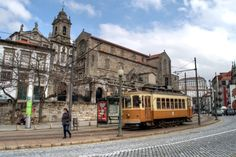 Getting lost in Porto's old town - by Lucy Dodsworth 05.04.2013 | Photo: Tram in Portos Ribeira old town, Portugal