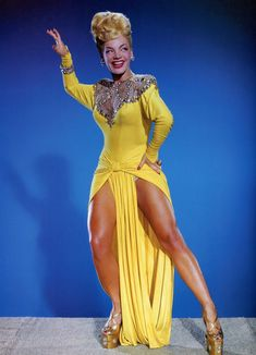 "ladybegood: ""Carmen Miranda in a publicity photo for Copacabana "" Carmen Miranda, Vintage Hollywood, Classic Hollywood, Vintage Beauty, Vintage Fashion, Divas, Hooray For Hollywood, Glamour, Famous Women"