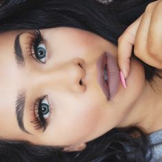 Love this eye look and the matte lipstick is sooooo my jam! Is this color Mac Stone?