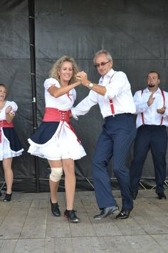 Ky. clogging group the Hoedowners represented the USA in Ireland at an international folk dance event,