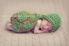 This pattern was designed by Calleighs Clips!  I just love her patterns!  This is a turtle cuddle critter cape that makes an outstanding photography prop for newborns!  Can be made in any color combo!  Professional photo by @Nekane Owens