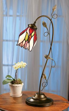 Tulip Stained Glass Lamp