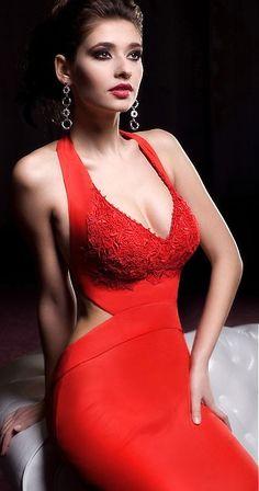 Bien Savvy - 2013 - red dress