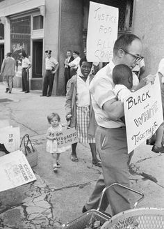 Protesters picketed the Chicago Board of Education in 1963, nine years after the Supreme Court ordered an end to school segregation.