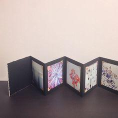 □■□■ #正方形 #アルバム #製本 #手製本 #蛇腹本 #折本 #アコーディオンブック #workshop #bookart #bookartslab #alubum #accordionbook #accordionbinding #handmade #book #cartapura #cartavarese #カルタプラ #カルタヴァレーゼ #紙 #paper