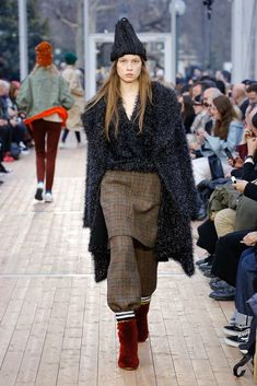 Undercover Fall 2018 Ready-to-Wear Fashion Show Fashion 2018, Fashion Brands, Autumn Winter Fashion, Fall Winter, Fashion Show Collection, Undercover, Second Skin, Fall 2018, Herringbone