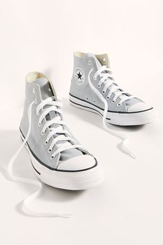 Mode Converse, Hi Top Converse, Outfits With Converse, Converse Sneakers, Sneakers Fashion, High Top Sneakers, Shoes High Tops, Custom Converse, White Converse