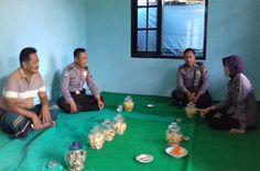 Tribratanewsmagelangkota.com – Kepala Unit Pembinaan Masyarakat Polsek Bandongan Magelang Kota Jawa Tengah Inspektur Satu Fefy Yunitasati