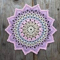 My little cherry blossom mandala  Pattern in my blog  Yarn: järbo 8/4 from @jarbogarn Hook: 2,5