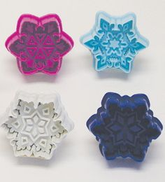 Hey, I found this really awesome Etsy listing at https://www.etsy.com/listing/183446680/set-of-4-snowflake-pastry-fondant-or