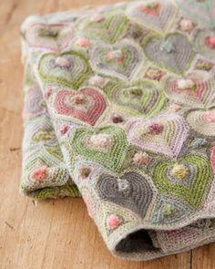 Merino wool baby blanket of crochet hearts. Beau Crochet, Crochet Home, Knit Or Crochet, Learn To Crochet, Crochet Crafts, Crochet Projects, Double Crochet, Crochet Birds, Modern Crochet