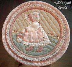 Sue Bonnet quilt - Small box