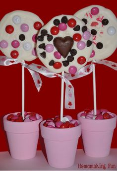 Valentines, Crafts, Candies, Cakes and everything Valentines Day :)