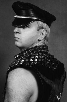 """fuck-yeah-rob-halford:"""" Rob """"The Metal God"""" Halford"""" Metal On Metal, Heavy Metal Bands, Black Metal, Black Leather, Rob Halford, Metal Albums, The New Wave, Judas Priest, Famous Singers"""