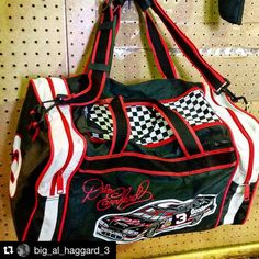 Only the classiest luggage at the Cullman Flea Market! #theintimidator #nascar  @big_al_haggard_3 #CullmanFleaMarket #DaleEarnhardt #Shopping #ShopLocal #DuffleBag #Racing #Cullman  Follow @CullmanSense on Instagram for more community photos.       Posted on October 24 2015 at 03:55PM at http://ift.tt/1k1lFWD by CullmanSense