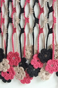 This fine and delicate écharpe was made in crochet with cotton thread. An écharpe is a quite long scarf. The ends Crochet Flower Scarf, Crochet Flower Patterns, Crochet Scarves, Crochet Clothes, Crochet Flowers, Crochet Borders, Crochet Crafts, Yarn Crafts, Crochet Projects