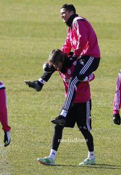 Training   Cristiano Ronaldo & Fabio Coentrao. Real Madrid Wallpapers, Real Madrid Players, Cristiano Ronaldo Cr7, Athlete, Training, Boys, Sports, Soccer, Stuff Stuff