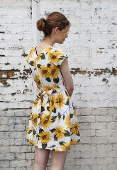 I don't think I would ever take this Vintage Sunflower Print Mini Dress off!!!