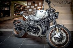 NineT's - vtr-customs - Motocycle Pictures and Wallpapers Retro Motorcycle, Scrambler Motorcycle, Bmw Motorcycles, Ninet Scrambler, Bmw Classic, Classic Bikes, Bmw Touring, Bmw Nine T Scrambler, Bmw R1200r
