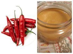Unguentul de ardei iute preparat în casă este un remediu extrem de util în sezonul rece, având excelente efecte antireumatice. Natural Remedies, Chili, Stuffed Peppers, Vegetables, Health, Desserts, Recipes, Food, Mai