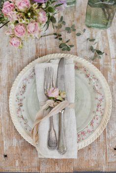 fiori , contenitori e piccoli riassunti della tavole in stile valdirose